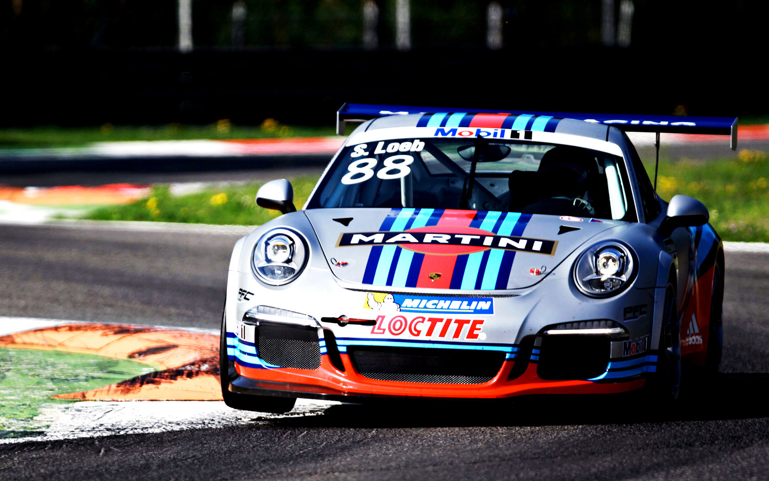 Porsche-911-GT3-Cup-Martini-Livery-front