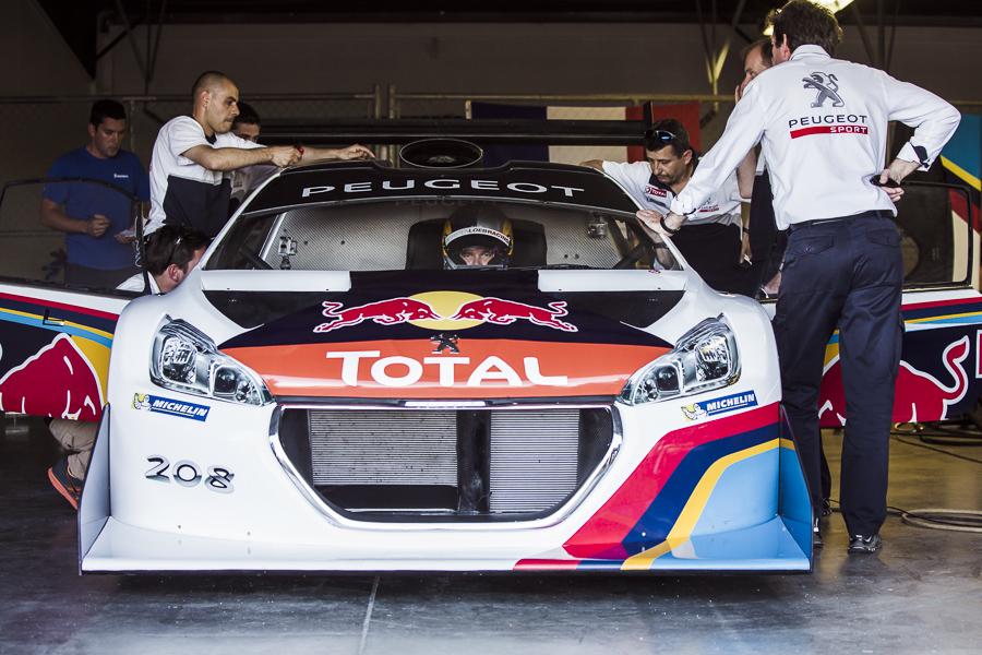 Sebastien_Loeb_and_the_Peugeot_208_T16_Pikes_Peak - Detail