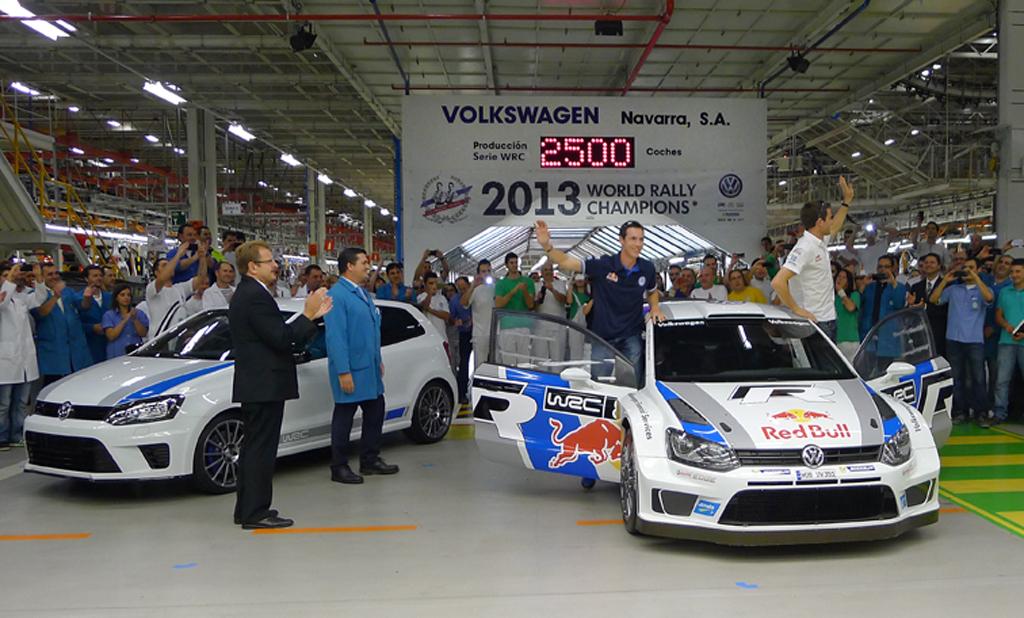 Weltmeister Sbastien Ogier und Julien Ingrassia besuchen Volkswagen Werk Navarra
